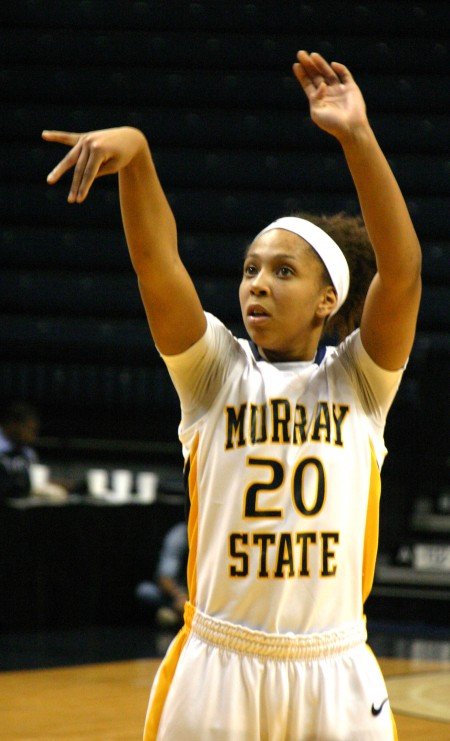 Last season Robinson started in 21 out of 31 games and  averaged 14 points and 4.5 rebounds per game.  She is leading in 3-point shots with 78 and attempts with 246. || File Photo