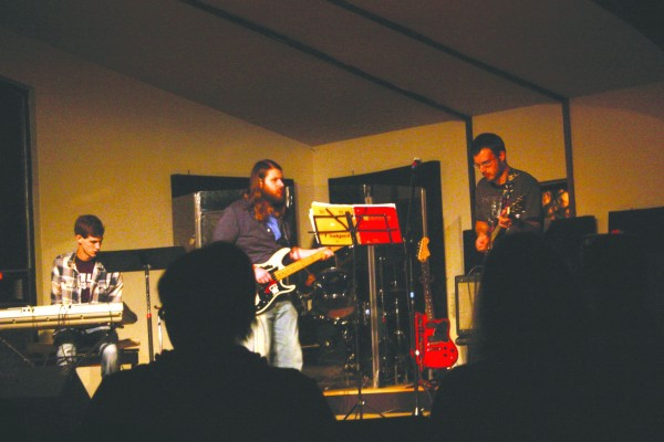 Leonard the Band performed during the Self-Injury Awareness benefit concert sponsored by the Murray State Women's Center.    Michelle Grimaud/The News