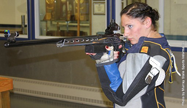 Sophomore Marisca Mozeleski from Vashon, Wash., looks to the target as she prepares to shoot. || Photo courtesy of Sports Information