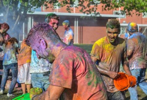 Students gather on Friday in front of Old Richmond College in celebration of the Festival of Colors. || Calvina Liebig