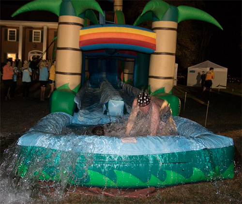 Photo courtesy of Alpha Sigma Alpha Sororities and fraternities competed in the Campus Plunge hosted by Alpha Sigma Alpha and Alpha Gamma Rho Nov. 6.