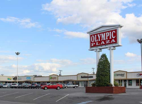 Nicole Ely/The News Olympic Plaza houses several local restaurants in Murray, including Los Portales, Jasmine Thai and Sushi and Tom's Pizza.
