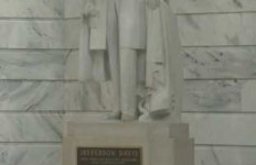 Photo courtesy of WLKY.com Four Murray State history professors have called for the removal of the Jefferson Davis statue.
