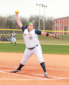 Jenny Rohl/The News Junior pitcher Mason Robinson pitching the ball during their March 17 game against the University of Evansville.