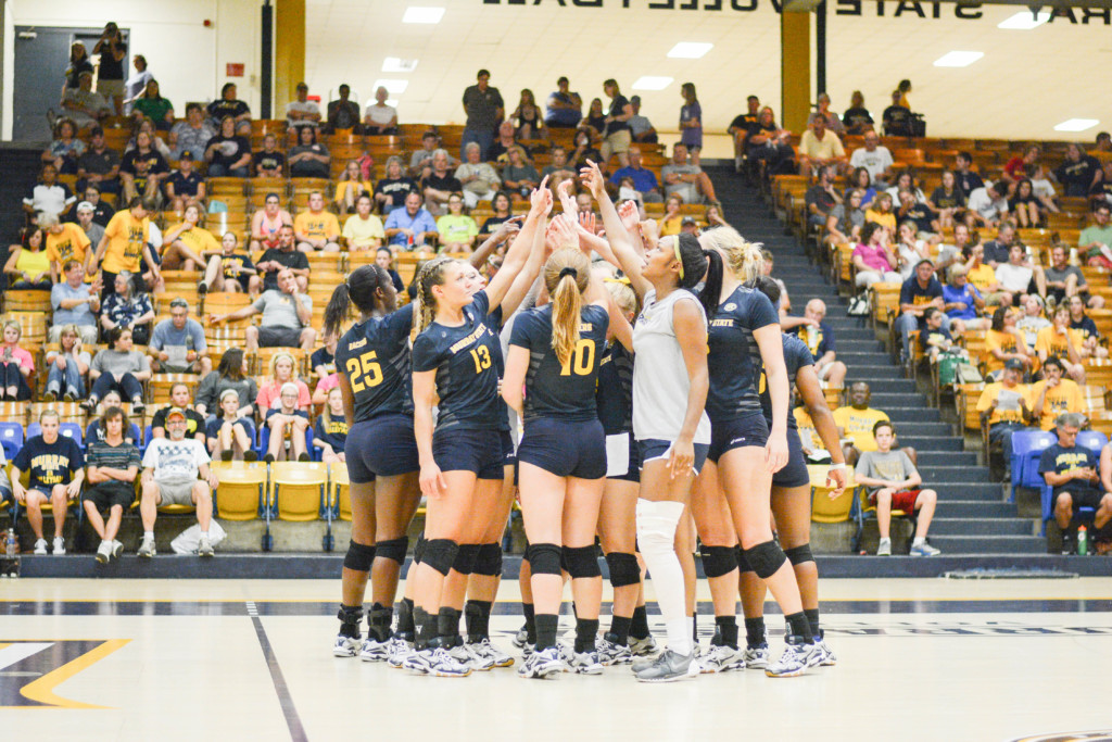 Racers break down a huddle in Racer Arena against SEMO.