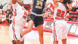 The Murray State Racers battle for a road game against Austin Peay.